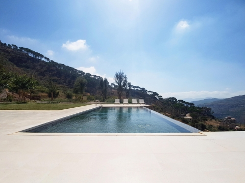 The Terraces House - Pool view